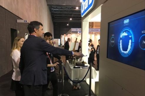 Image 2 for Oral-B at Mobile World Congress